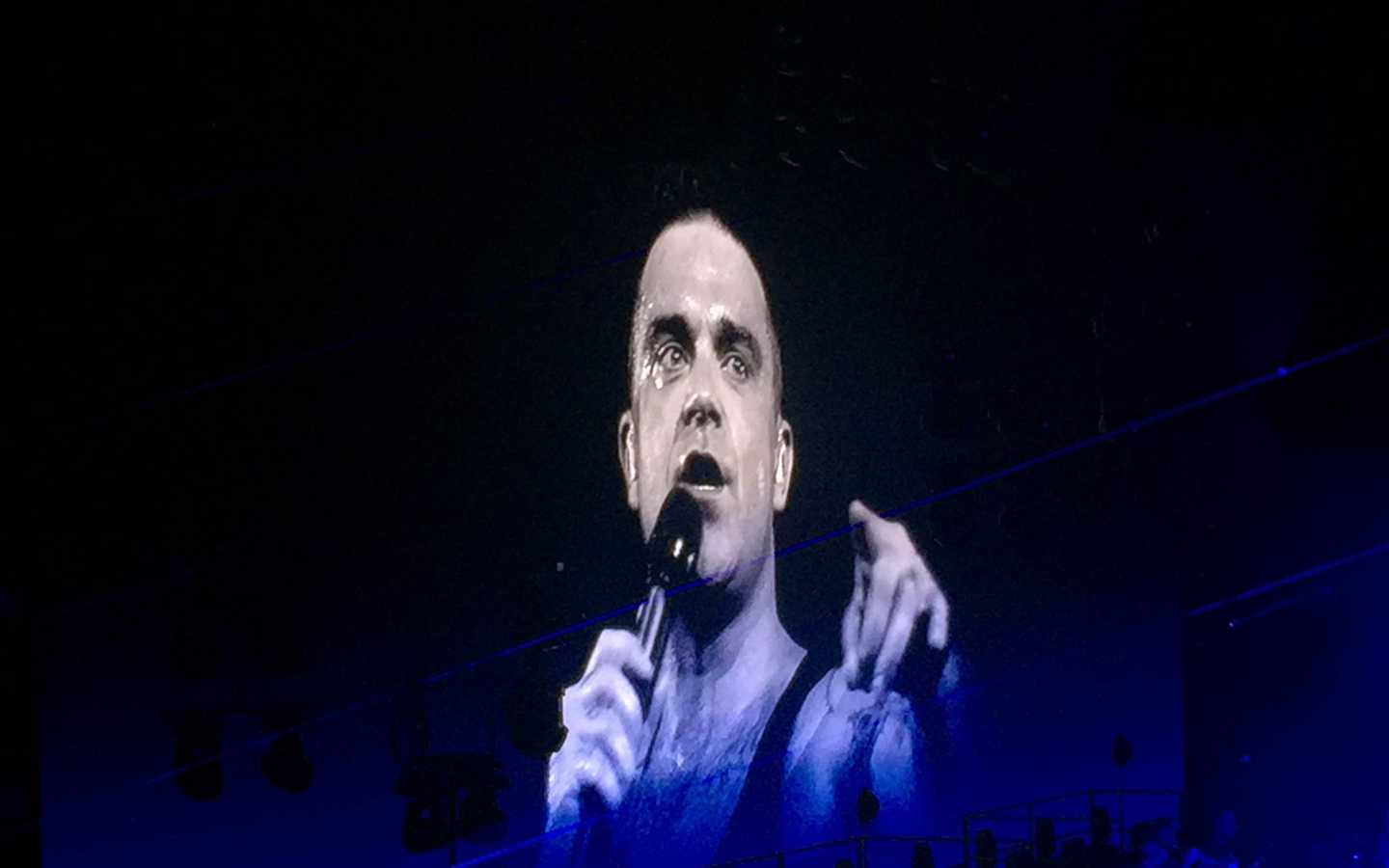 Perth Arena. Robbie Williams. Yes, he's Still Perth's Son.